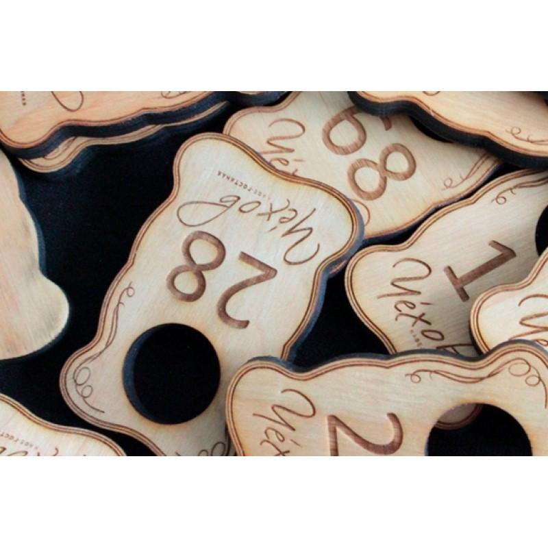Номерок фигурный из дерева
